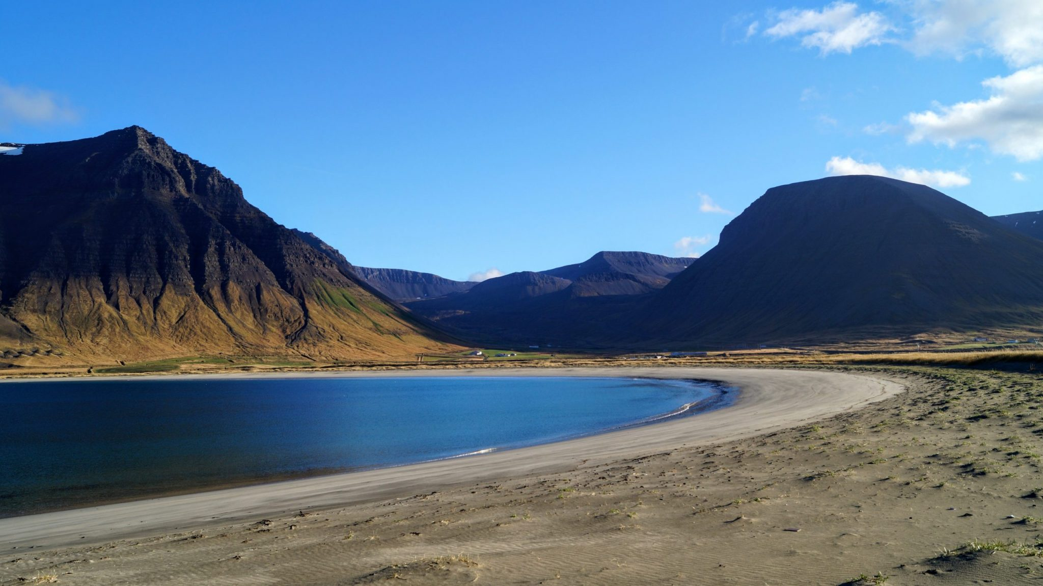 Onundarfjordur White Sand