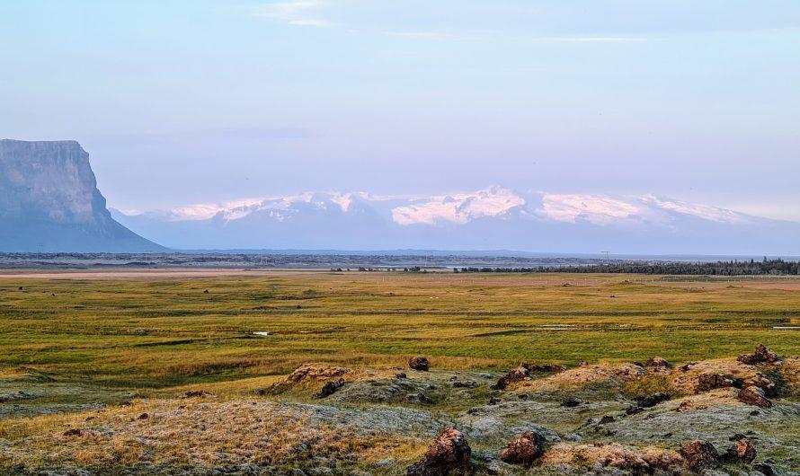 Enjoying A Spectacular View Of Vatnajökull Glacier