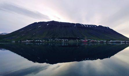 Midnight At Isafjordur